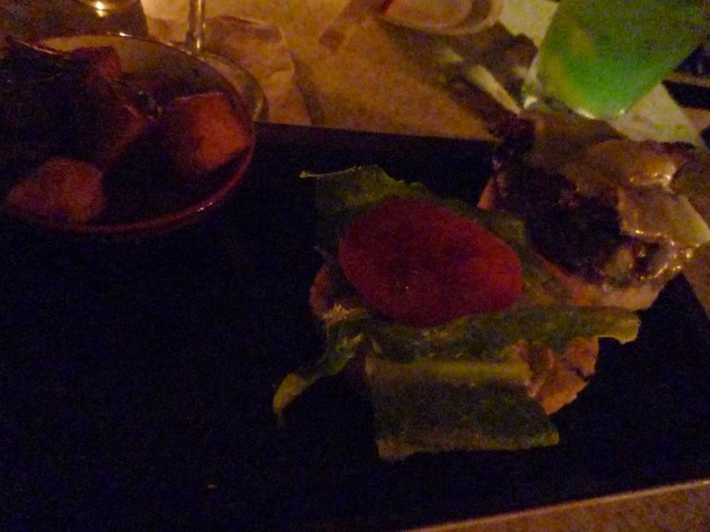 マイタイバーのハンバーガー